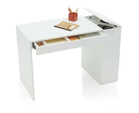 10 Easy Pieces Desks for Small Spaces portrait 12