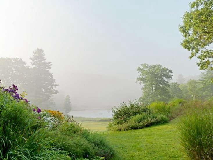 vermont garden path gardenista