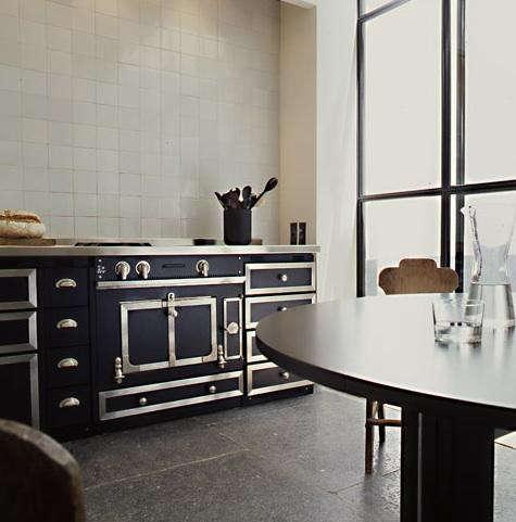 vincent van duysen black kitchen range