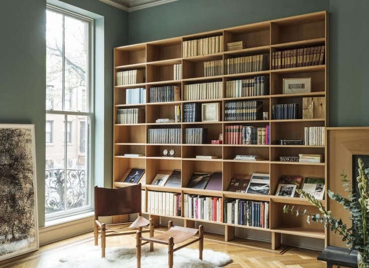 Trend Alert 11 PeriodicalStyle Shelves for Design Book Lovers A library in a Boerum Hill townhouse by Workstead keeps oversized bookswithin reach—and on view; see A BespokeParlor and Kitchen in Boerum Hill.
