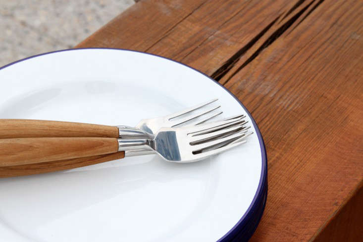 lightweight  20  dishes  20  and  20  utensils