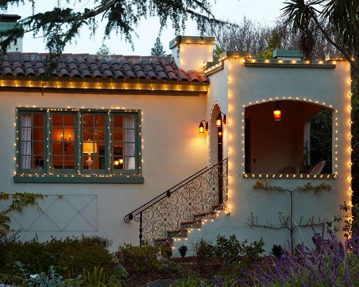 outdoor  20  holiday  20  string  20  lights  20  2  20  l  20  Gardenista