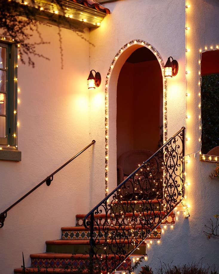 outdoor  20  holiday  20  string  20  lights  20  porch  20  l  20  Gardenista