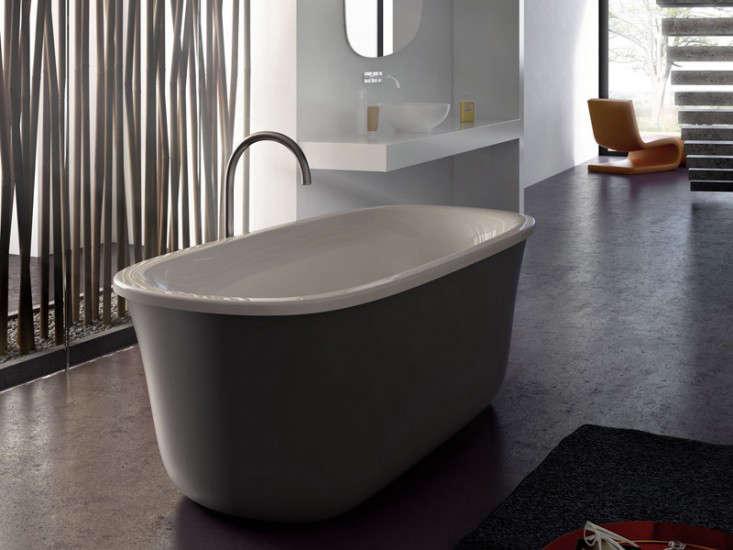 QuickChange Artist A New Bathtub from Italy portrait 5
