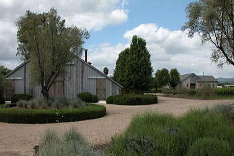 barbaras barn exterior 2