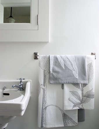 Bath Guest Linens portrait 3