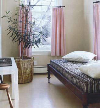 domino bed in espresso stripe