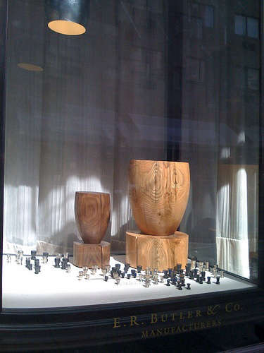 er butler window display