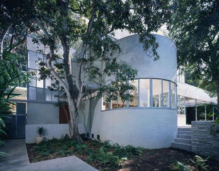Architect Visit Richard Neutra in Laurel Canyon portrait 3