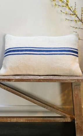 Accessories Vintage Grain Sack Pillows portrait 3