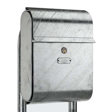10 Easy Pieces DesignWorthy Mailboxes portrait 11