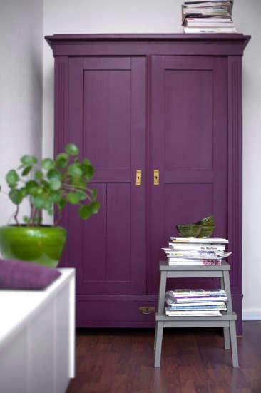 Palette  Paints Purple portrait 10