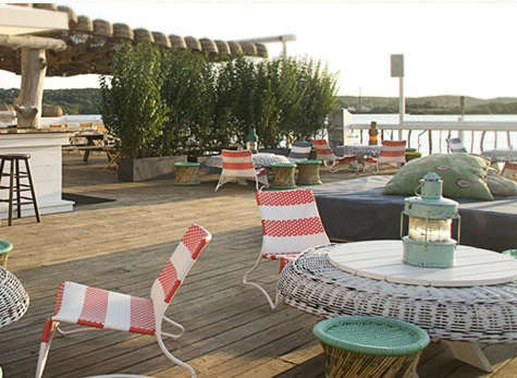 montauk deck with chairs