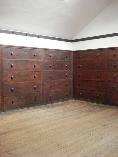 shaker dressing room 4