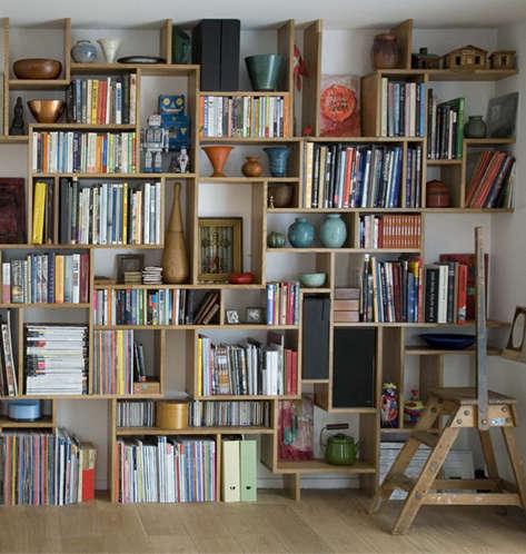 DIY Studiomama Bookshelf portrait 3