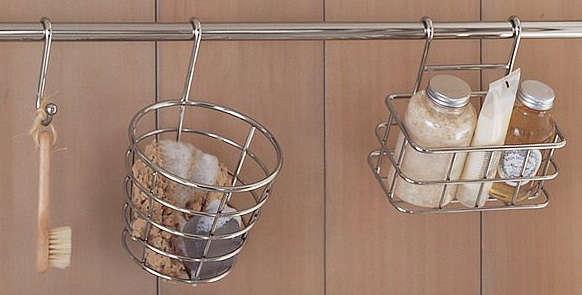 towael bar wood paenel