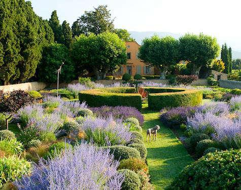 Hotels  Lodging Le Pavillon de Galon in Provence portrait 10