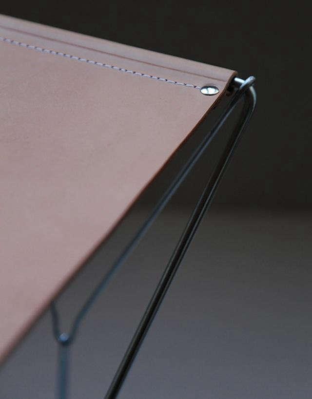 640 anve stool detail