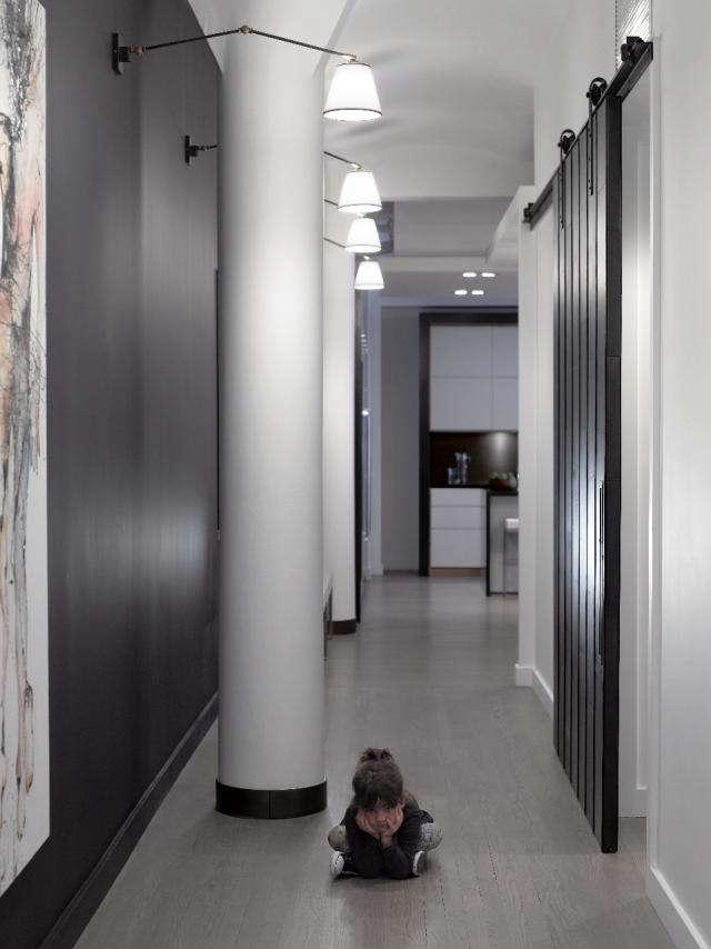 640 black white hallway tribeca loft