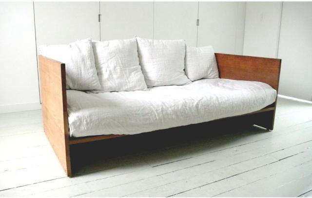 640 mc and co chaise