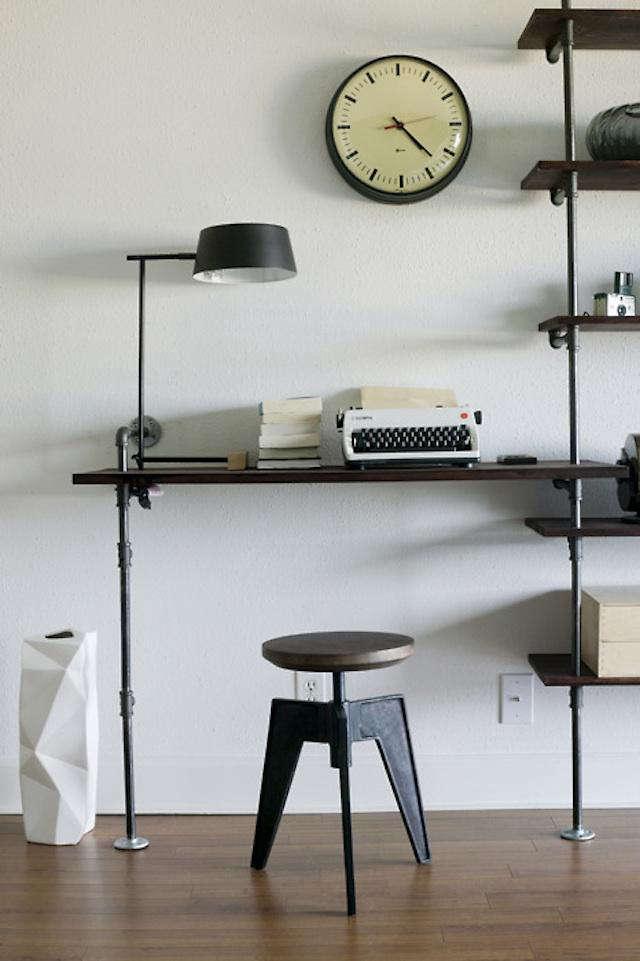 640 pipe desk 10