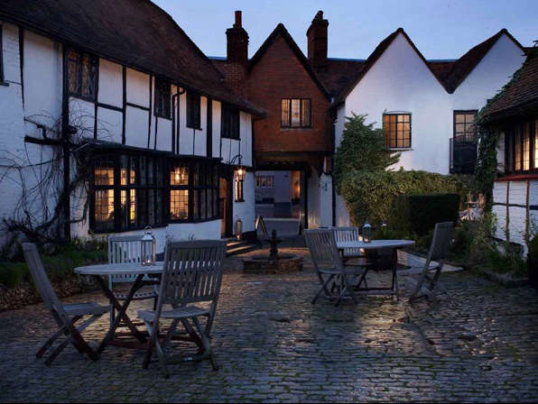 Hotels  Lodging The Crown in Amersham England portrait 13