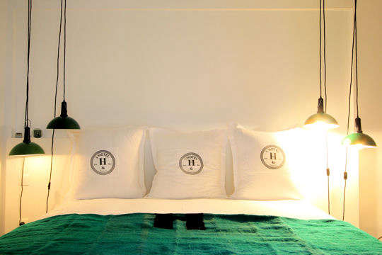 Hotels  Lodging Casa Honor in Marseilles portrait 10