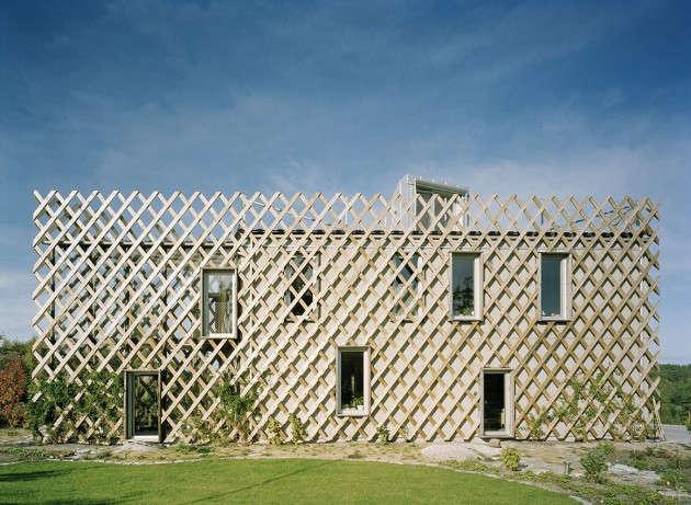 Architect Visit Garden House in Sweden by Tham  Videgard portrait 3