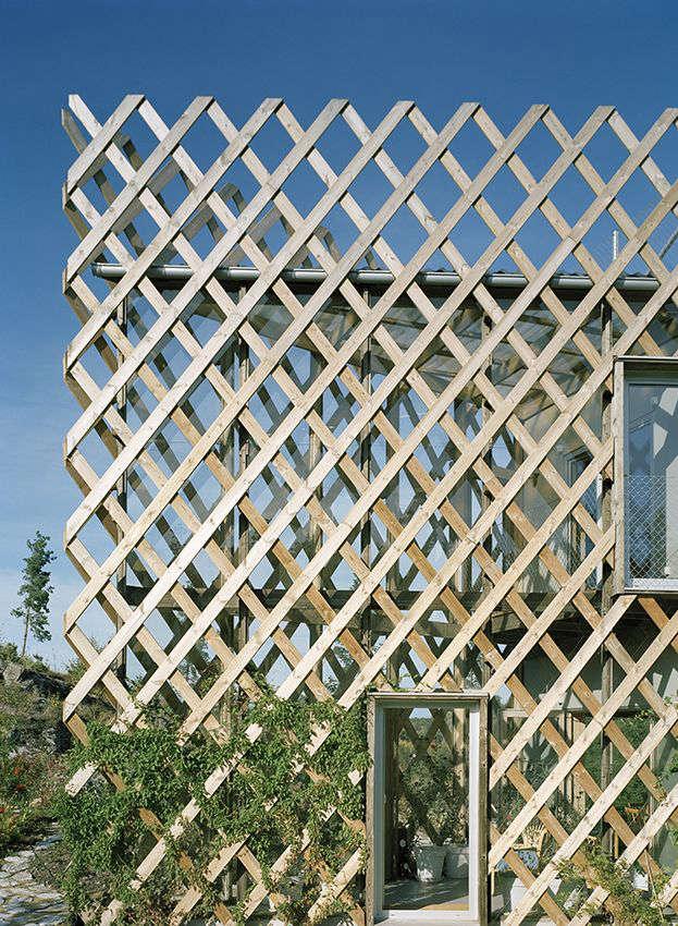 Architect Visit Garden House in Sweden by Tham  Videgard portrait 4