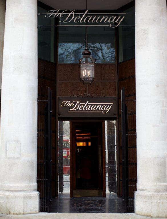 the delaunay entrance lr