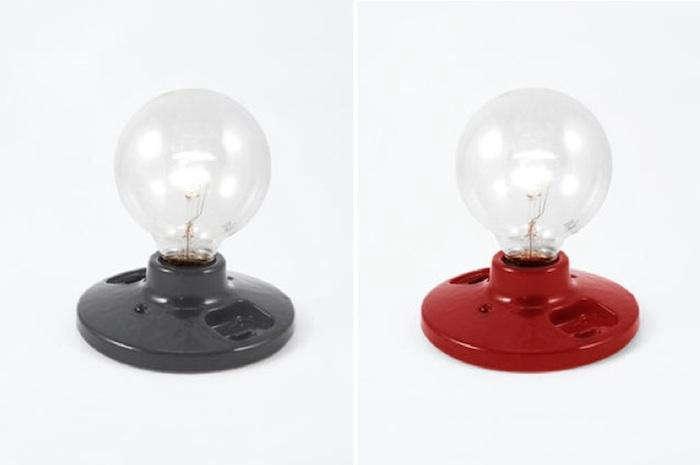 700 commune light bulbs gray red