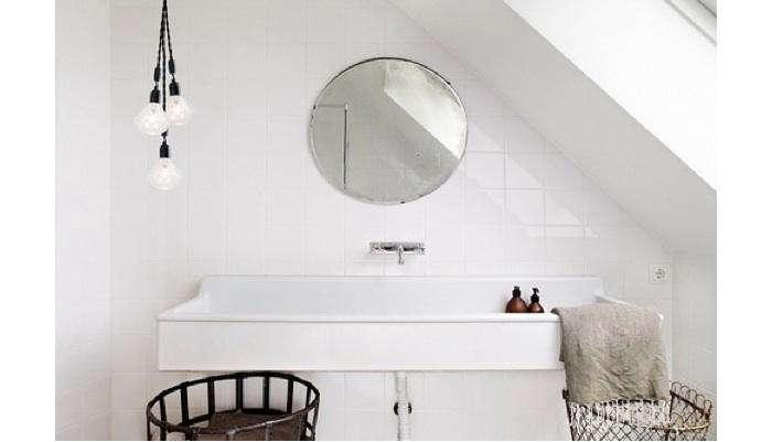 700 diamond light bulb bath