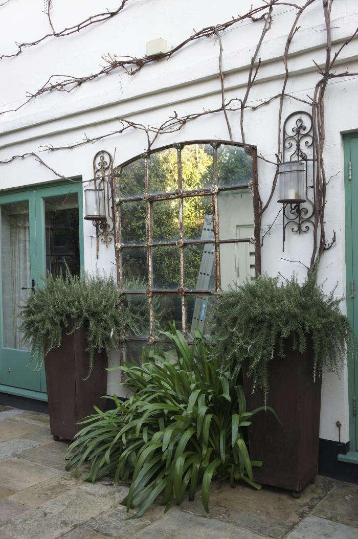 700 neisha crosland garden 10