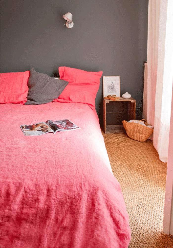 700 pink gray room