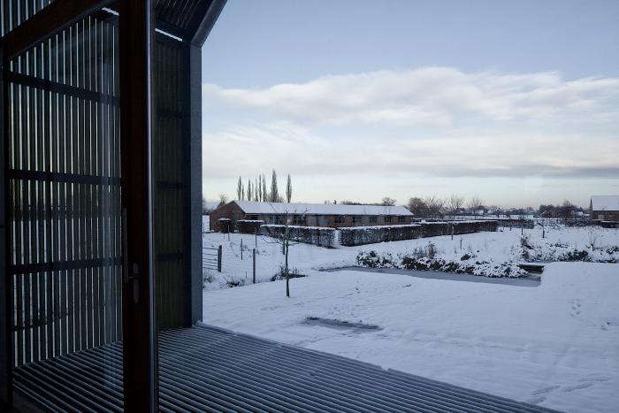 A West Flanders Barn Tells a Tale of Two Seasons portrait 5