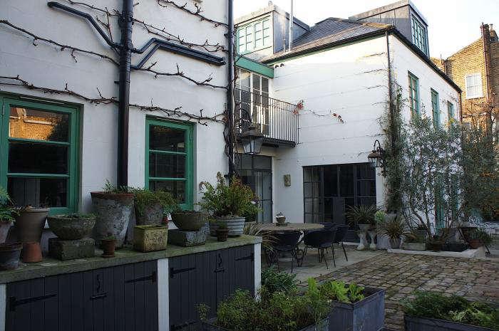 700 rmneisha crosland garden 04