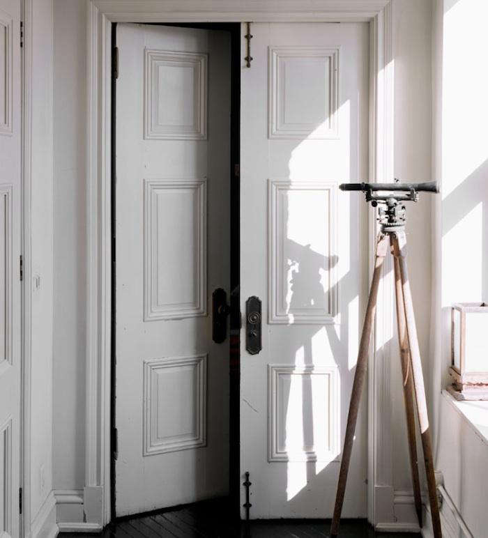 700 roman williams white door 15