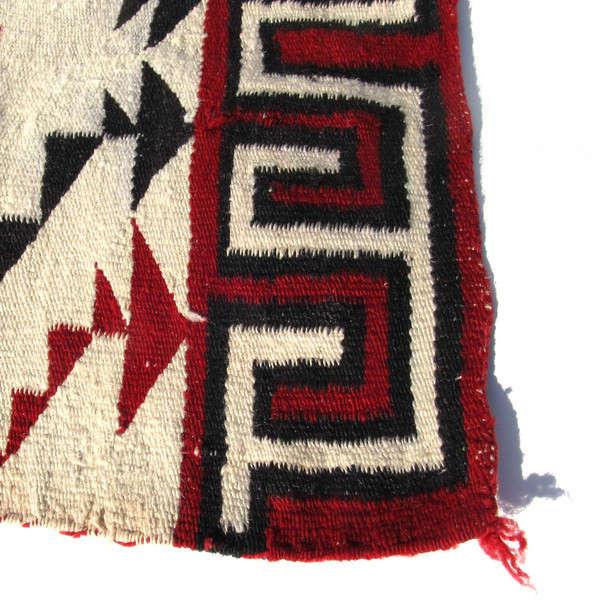 Vintage Navajo Rugs from Ruby  George portrait 6