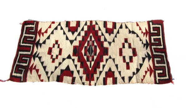 Vintage Navajo Rugs from Ruby  George portrait 5