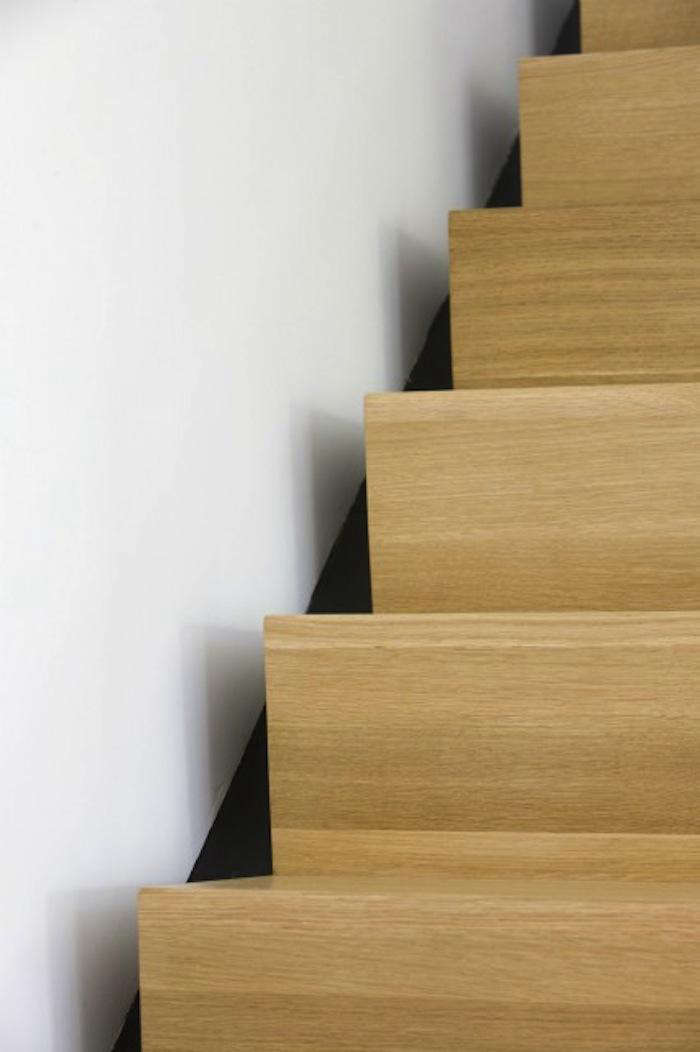 700 burr and mccallum modern light wood stair with knife edge finish