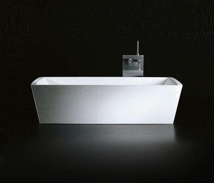 10 Easy Pieces Modern Bathtubs portrait 12