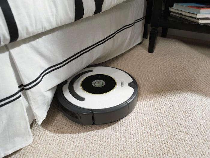700 irobot roomba vacuum 1