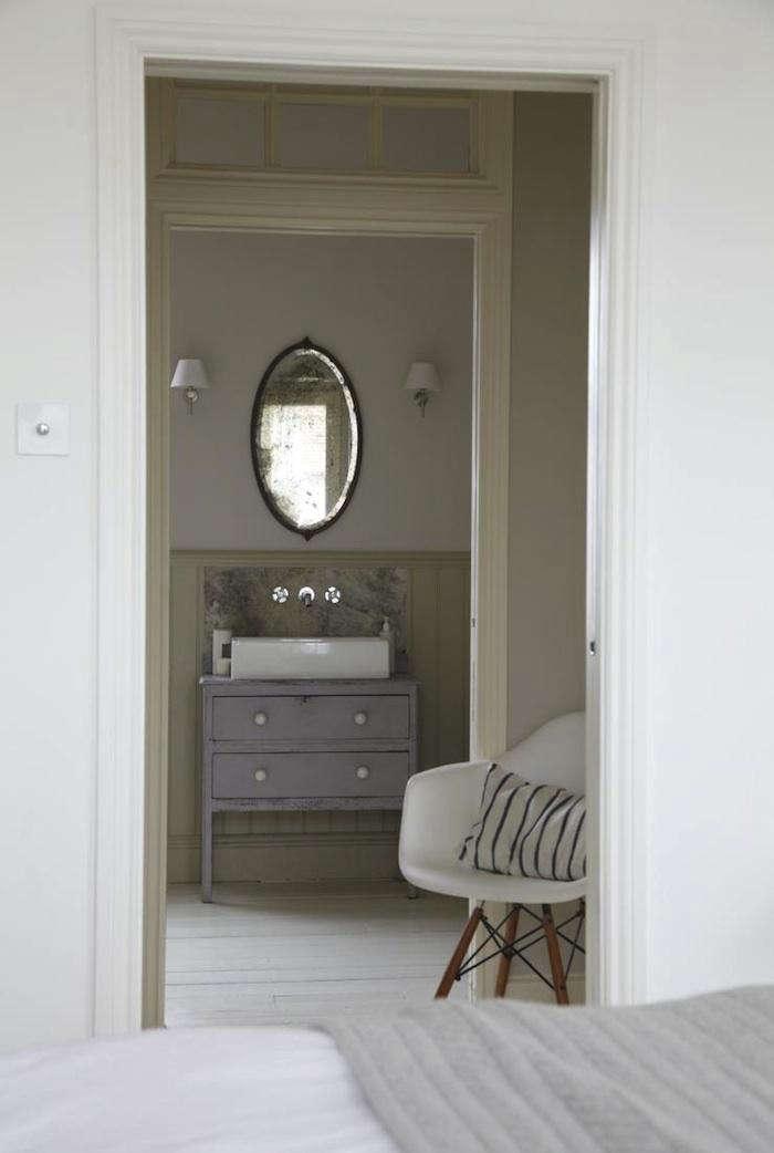 700 lambeth bedroom sink