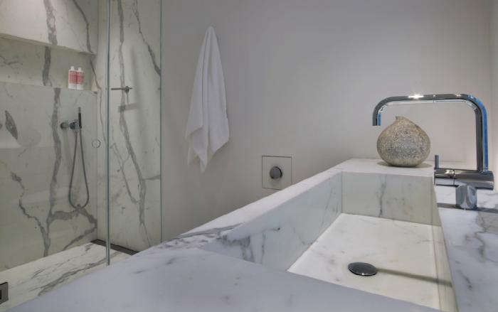 700 messana ororke marble bath