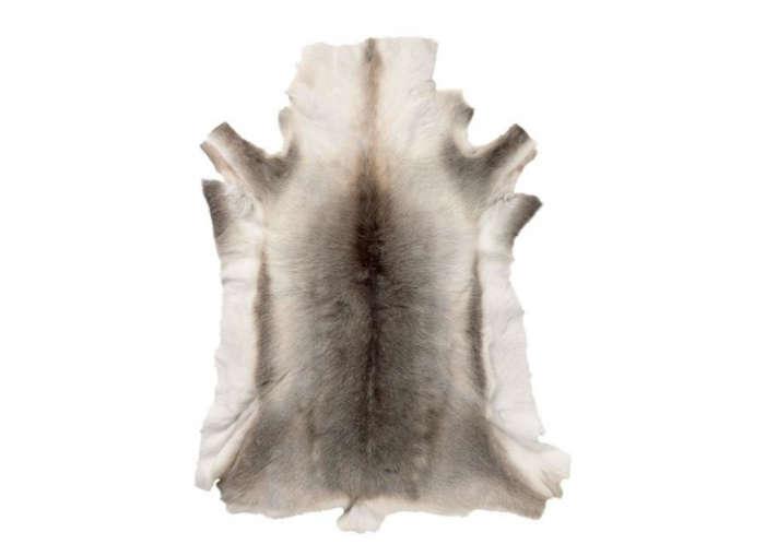 700 reindeer skin rug 1