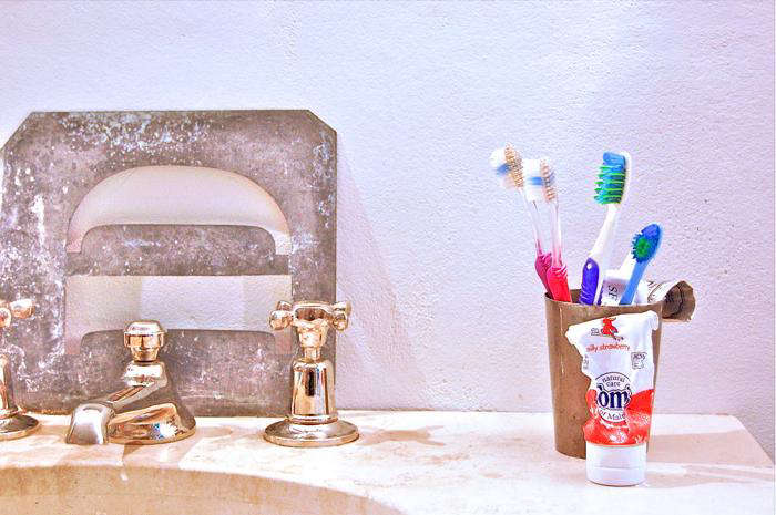 10 Toothpastes for the Style Obsessed portrait 9