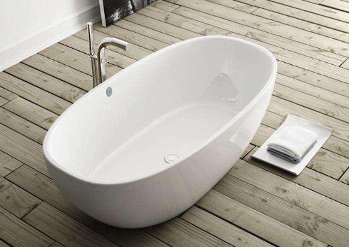 10 Easy Pieces Modern Bathtubs portrait 3