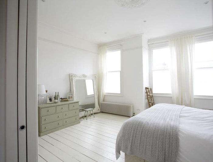 700 white gray english bedroom 10