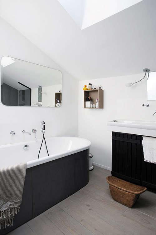 black tub exterior 2