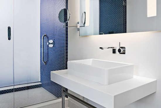 meridian chambers hotel bath 1